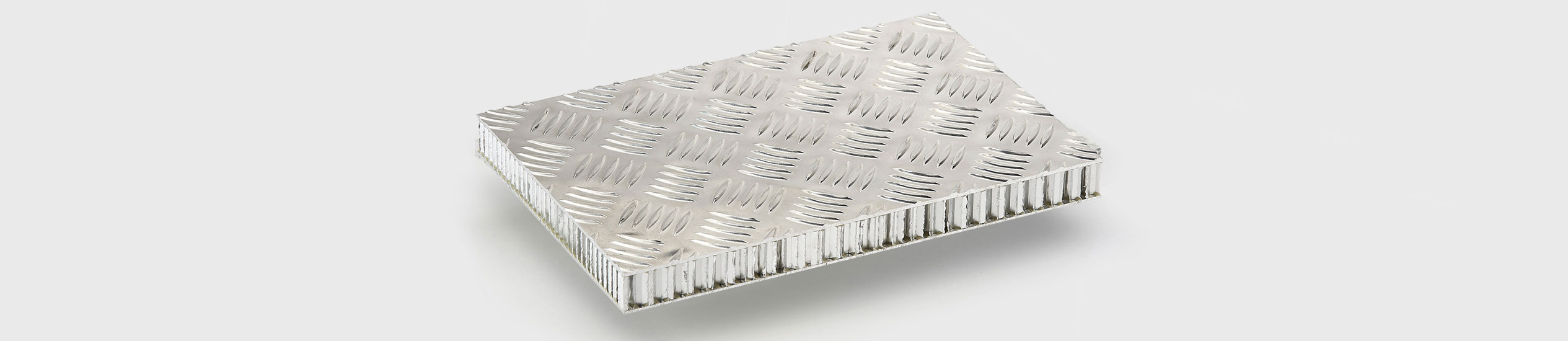 COMPOCEL® FLOOR ALU-RIS, ALU-MAN is a sandwich panel bonded with aluminium material and with a core in aluminium honeycomb