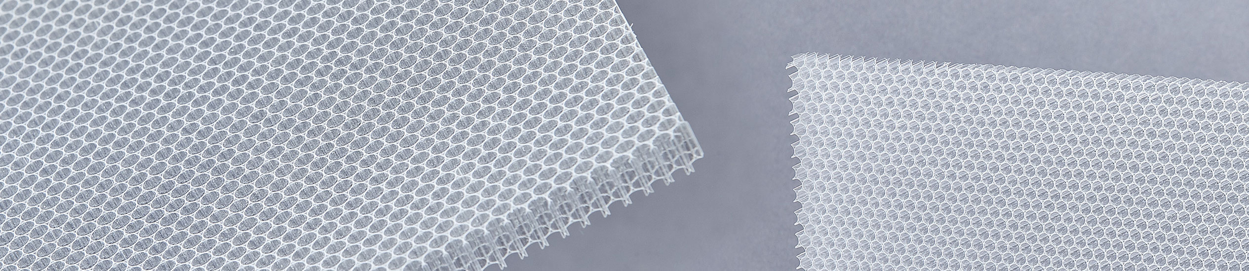 Polycarbonate honeycomb finds major applications in:deflectors for laminar-flow ventilation,commercial refrigeration,sterilized rooms,wind tunnels and climatic